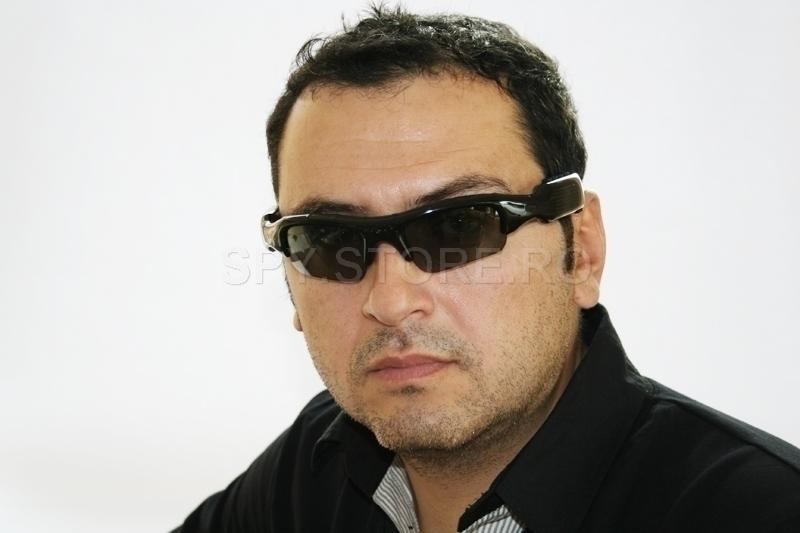 Camera de spionaj ,MP3,ochelari de soare - 4GB