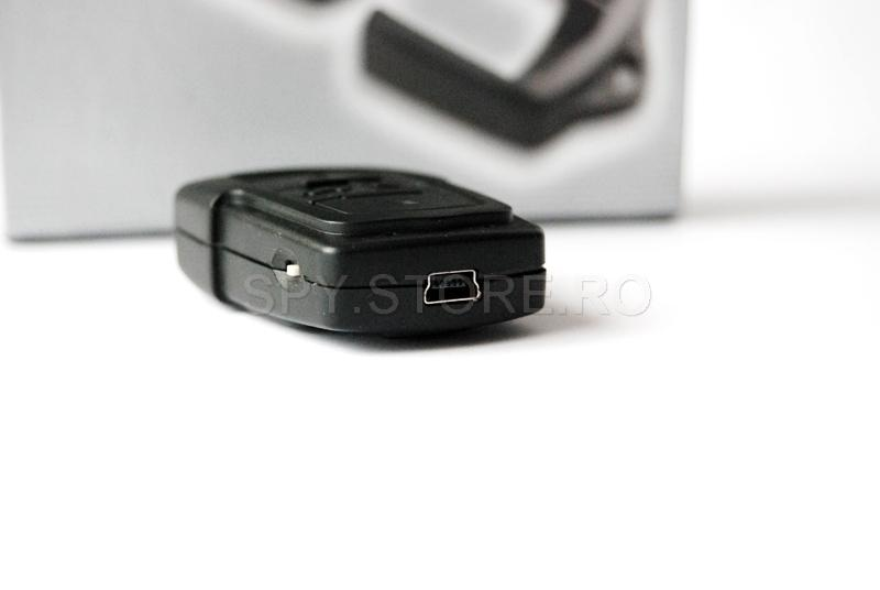 Camera camuflata in telecomanda auto cu memorie de 8 GB