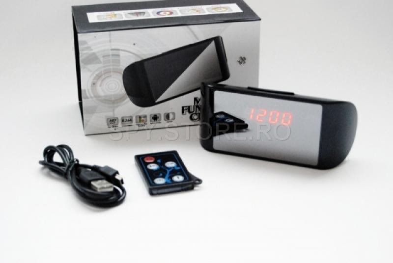 Camera HD camuflata in ceas de birou electronic