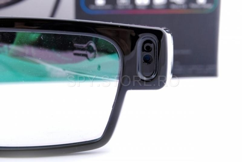 Camera camuflata in ochelari
